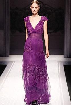 фиолетовый цвет фото платья