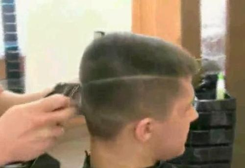 Стрижка волос машинкой видео
