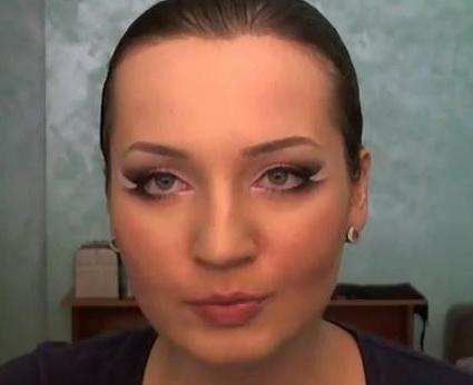 Как делать макияж для круглолицых